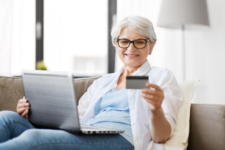 Beneficiary-using-Medicare-OTC-card